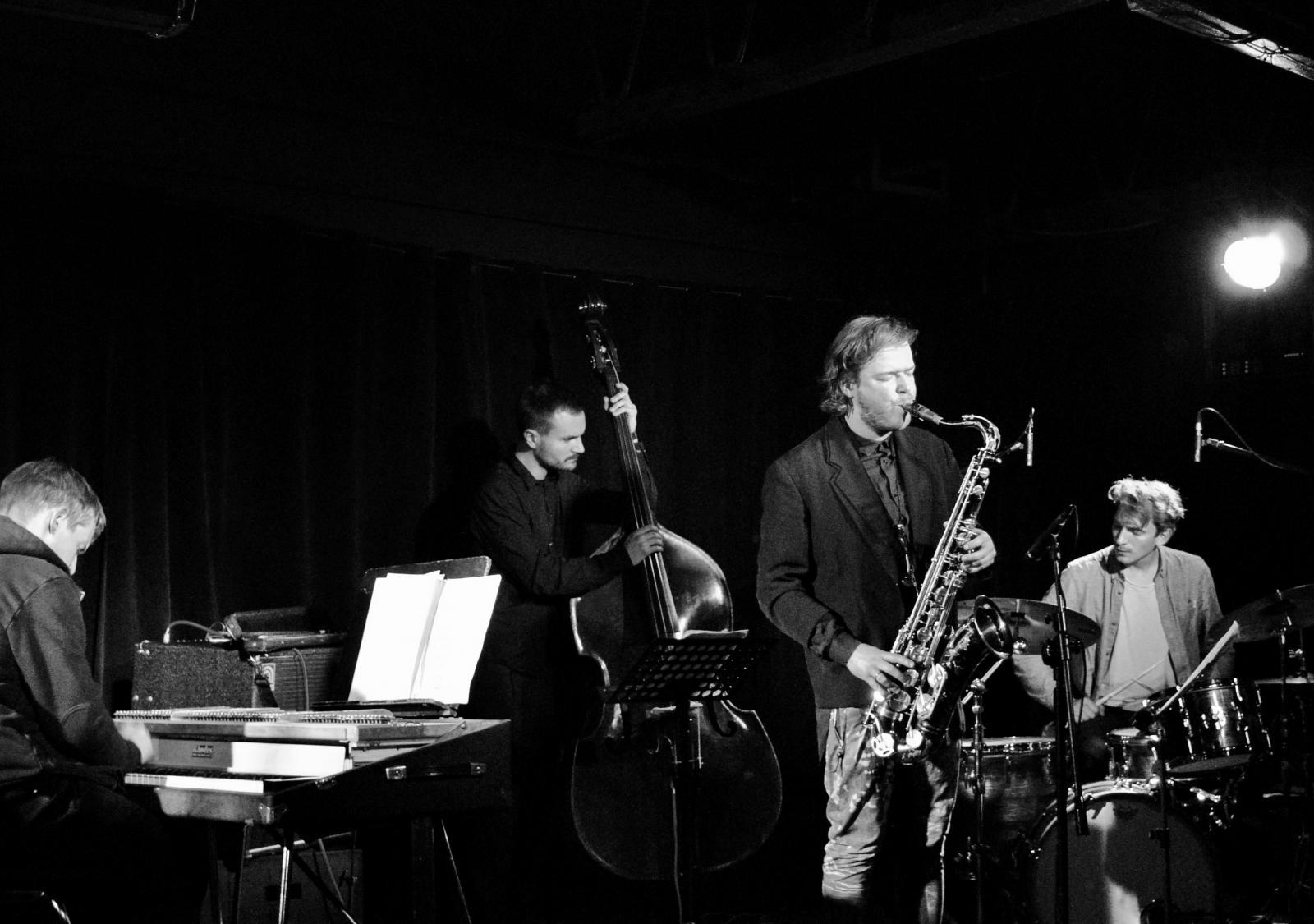 13th MÓZG Festival: Marek Pospieszalski Quartet / Rashad Becker / Kondensator Przepływu / ædm