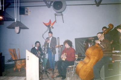 Grupa R-Osjan-1994-12-03-wystawa Krzysztof Sikorski - Światło i źródło001.jpg